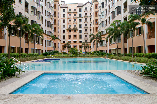 Newport city living awesome luxury and resort living near resortsworld manila for Newport swimming pool schedule